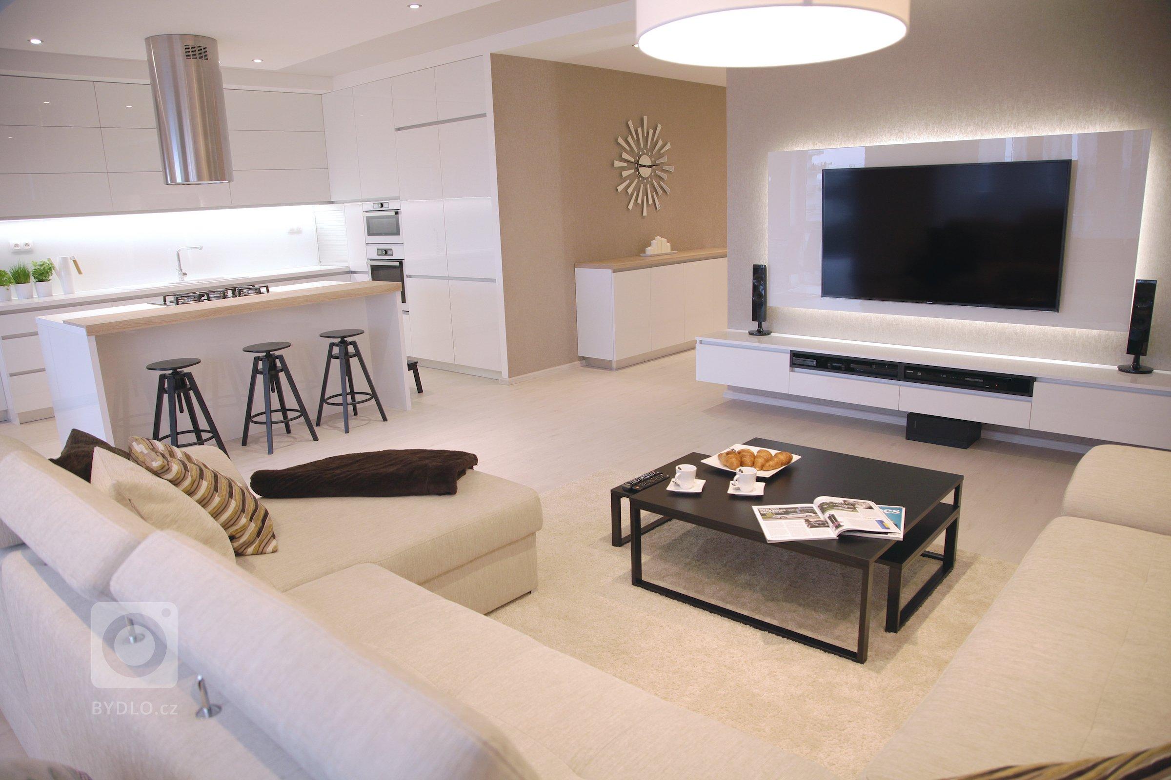 Interiér tohoto prostorného bytu v Bratislavě dýchá elegancí. Při tvorbě konceptu jsme velmi citlivě volili tonalitu barev a dbali na tvarovou a hmotovou…