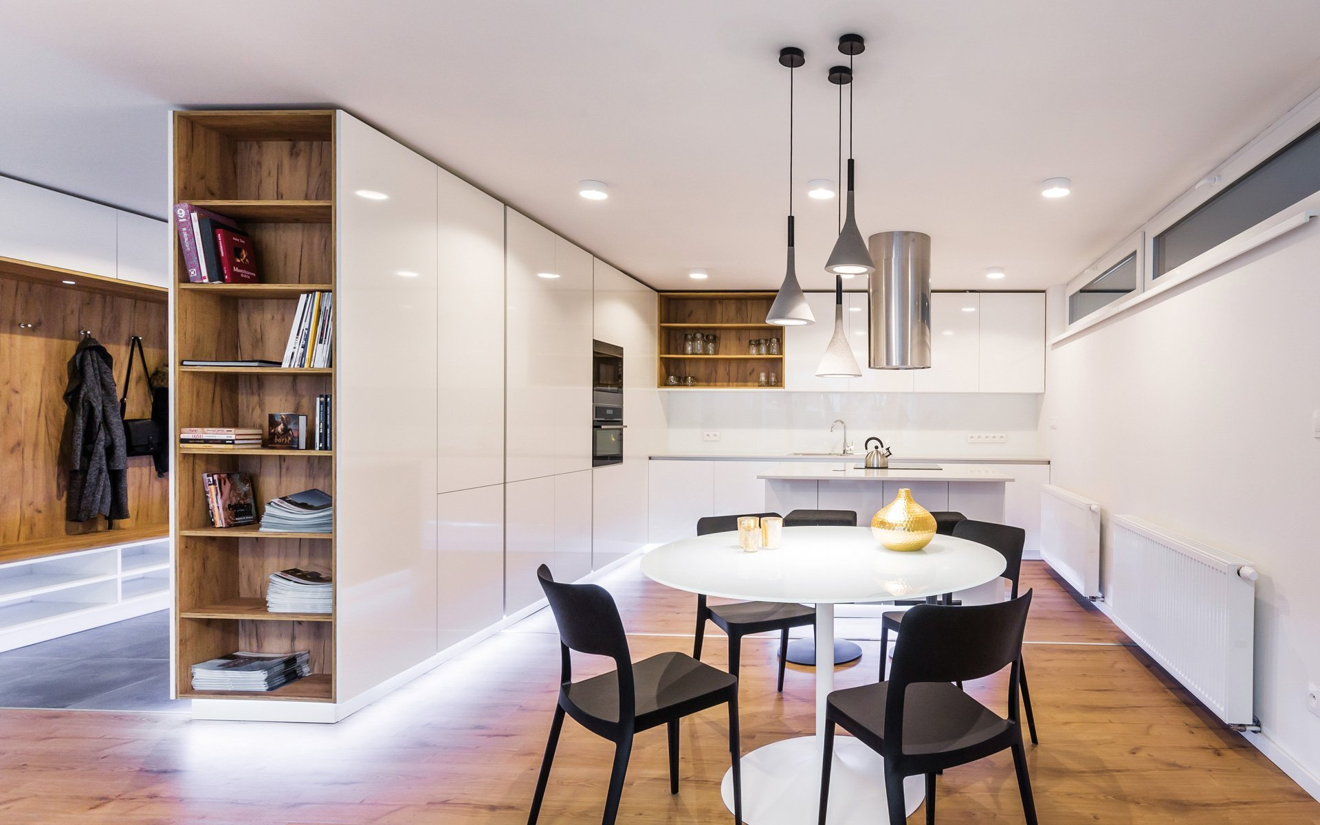 Renomovaní architekti rádi doporučují nábytek značky HANÁK do komplexních návrhů interiérů pro klienty. Toto je jeden z mnoha případů, kdy konkrétně…