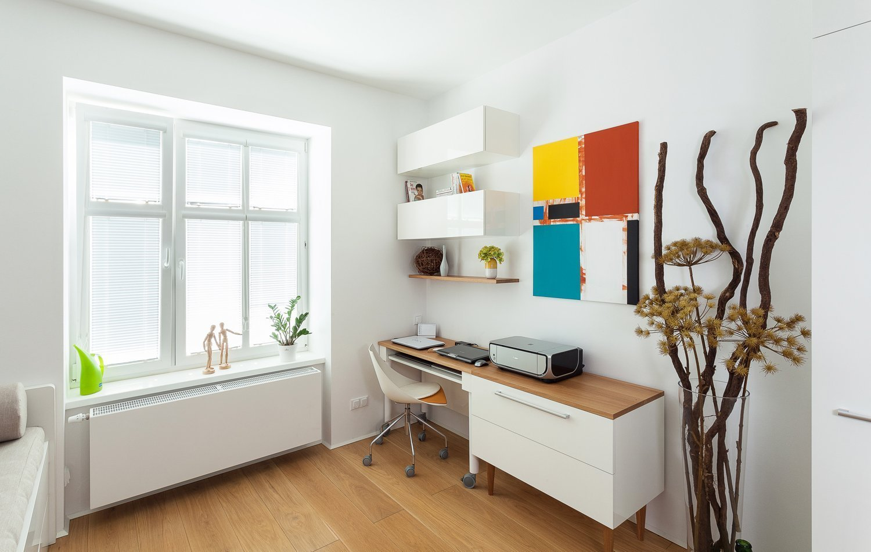 Máme radost z realizace, na které můžeme ukázkově demonstrovat, jak skvěle lze zařídit malý byt naším nábytkem na míru. Atypické dispozice vyžadují…