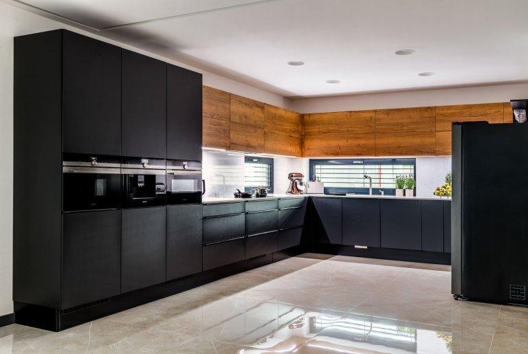 Kuchyně - Lak Evermatt Black