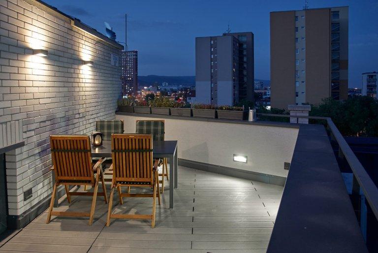 Podkrovní bydlení jako stvořené pro městský život