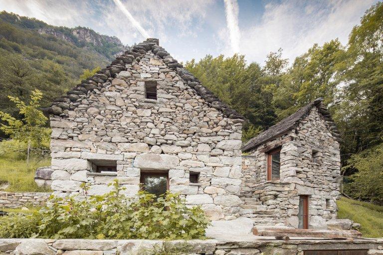 Z bývalé stáje stáje rekreační dům s vodou z pramene