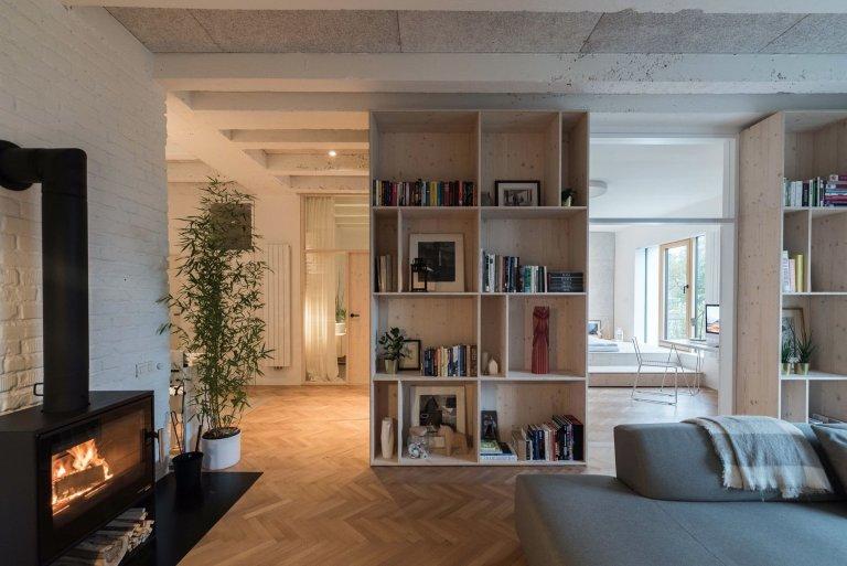 Přízemní byt ve staré bytovce