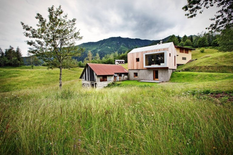 Malý domeček pod horami