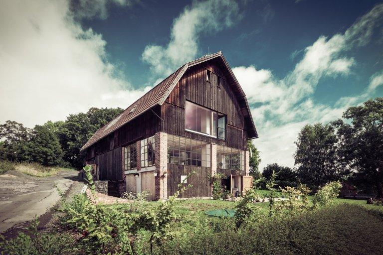 Vdechli staré stodole nový život