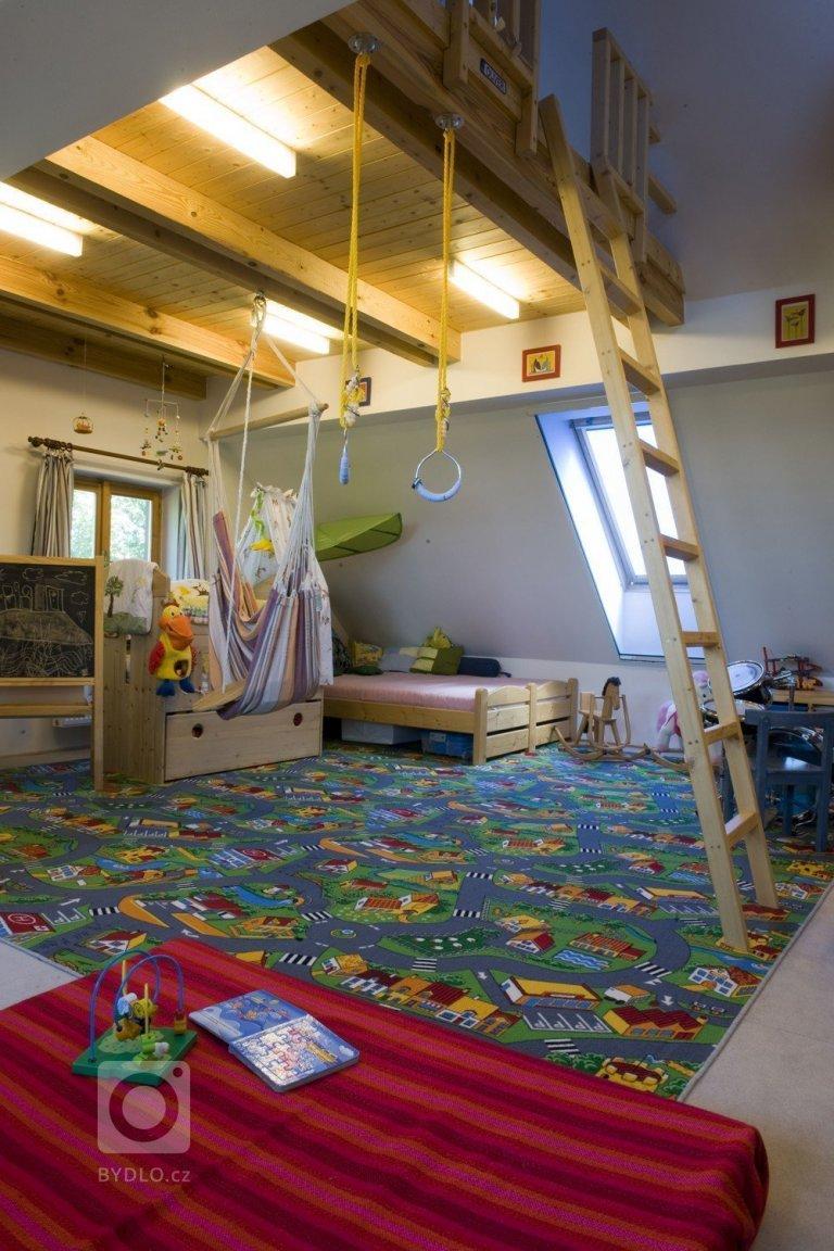 Dětský pokoj nebo malá tělocvična.....