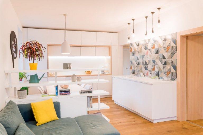Z panelákovej klasiky k sviežemu, modernému a praktickému bývaniu  Nevyhovujúci technický stav bytu, mnoho prvkov nahranici životnosti a ich dizajnová&nbsp…