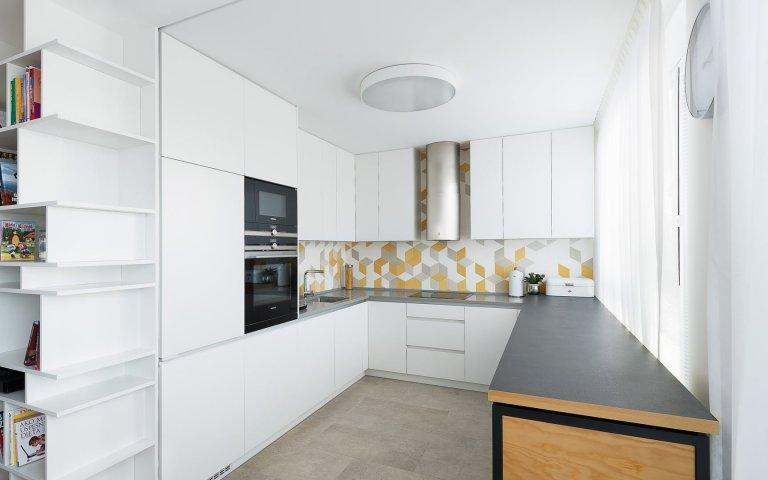 Návrh arealizácia štvorizbového bytu vbratislavskej novostavbe prebiehala voveľmi príjemnej atmosfére. Majitelia obľubujú krásny a&nbsp…