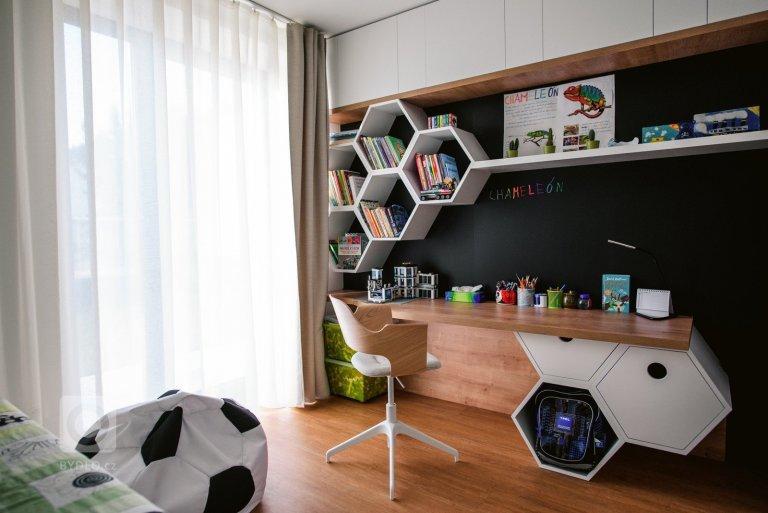 interiér poloátriový rodinný dom