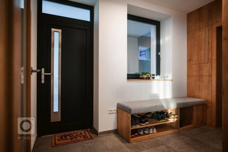 Novorealizovaný interiér v Považskej Bystrici podľa nášho návrhu sa dočkal svojho ukončenia. Nový interiéru do rodinného domu zo 70. rokov. Veríme, že vďaka…