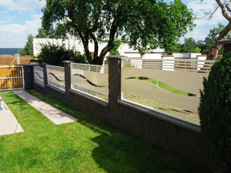 Designový plot