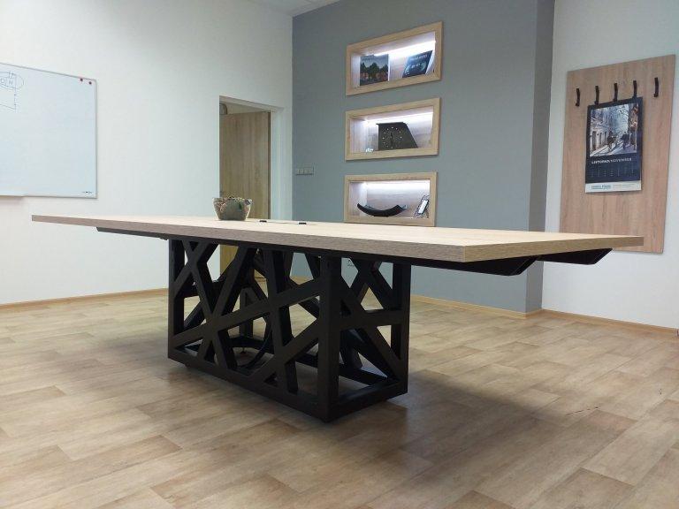 Luxusní jednací stůl