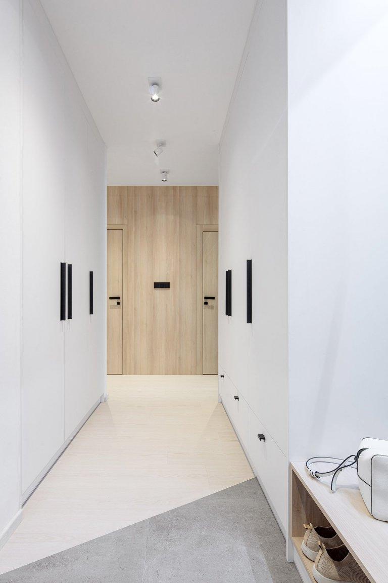 BARRANDOV - rekonstrukce bytu    Jednalo se rekonstrukci bytu zroku 2002. Původní dispozice byla nevyhovující. Majitelka si přála zvětšit koupelnu…
