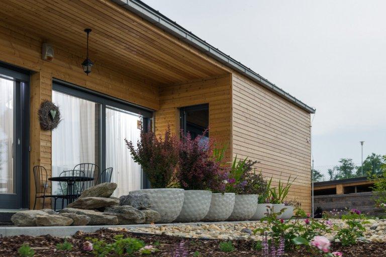 Moderní přízemní bungalov Perseus 120 má zcelanetradiční architekturu. Tento dům osloví toho, kdo chce být výjimečný. PřízemníbungalovPerseus…