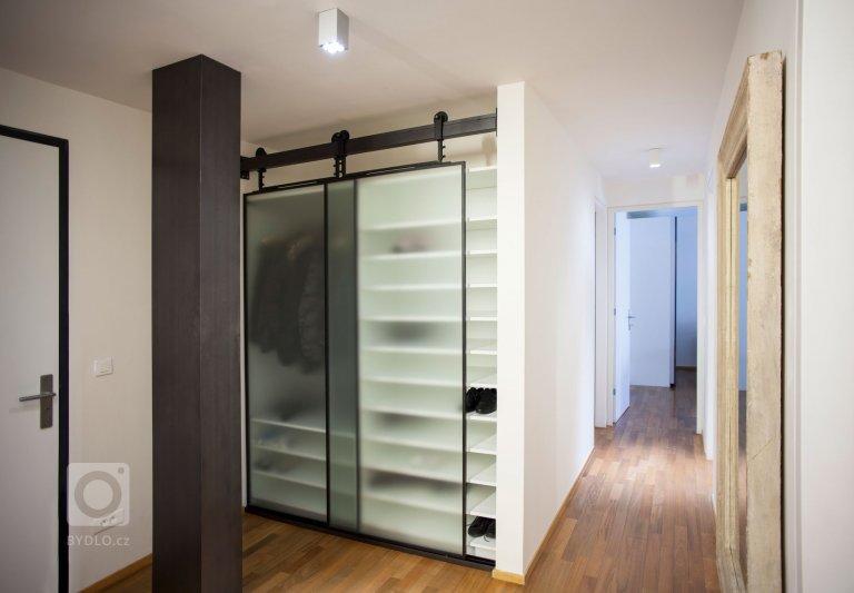 Triplex od pražského ateliéru B2Architecture se nachází v bývalém karlínském industriálním komplexu, který v roce 2009 přestavěla rakouská kancelář…