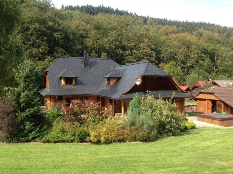 Rekonstrukce střechy na roubence