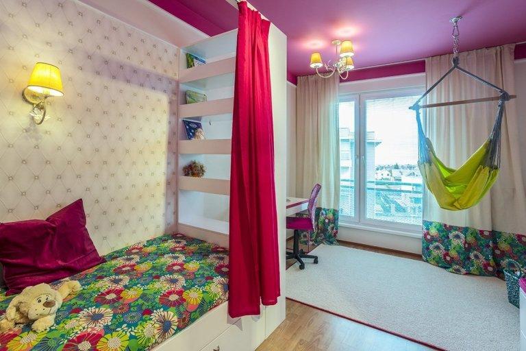 V rámci rekonstrukce celého bytu jsem navrhla i pokoj pro sedmiletou školačku.