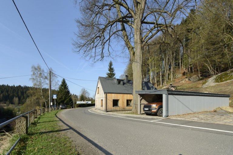 Rekonstrukce tradiční jizerskohorské chalupy