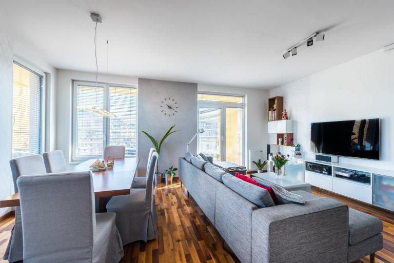 Navrhuji interiéry novostaveb bytů a rodinných domů, interiéry komerčních prostor, renovace a rekonstrukce stávajících interiérů, navrhuji koupelny, kuchyně,…