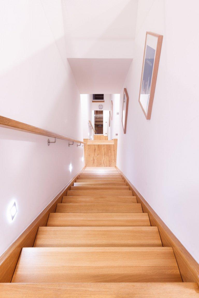 Individuální rodinný dům svýjimečným duchem a atmosférou byl vytvořen jako moderní dřevostavba, reflektující potřeby stavebníka areagující na…