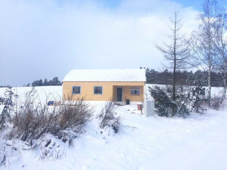 Dřevostavba 85 m2 s přístřeškem