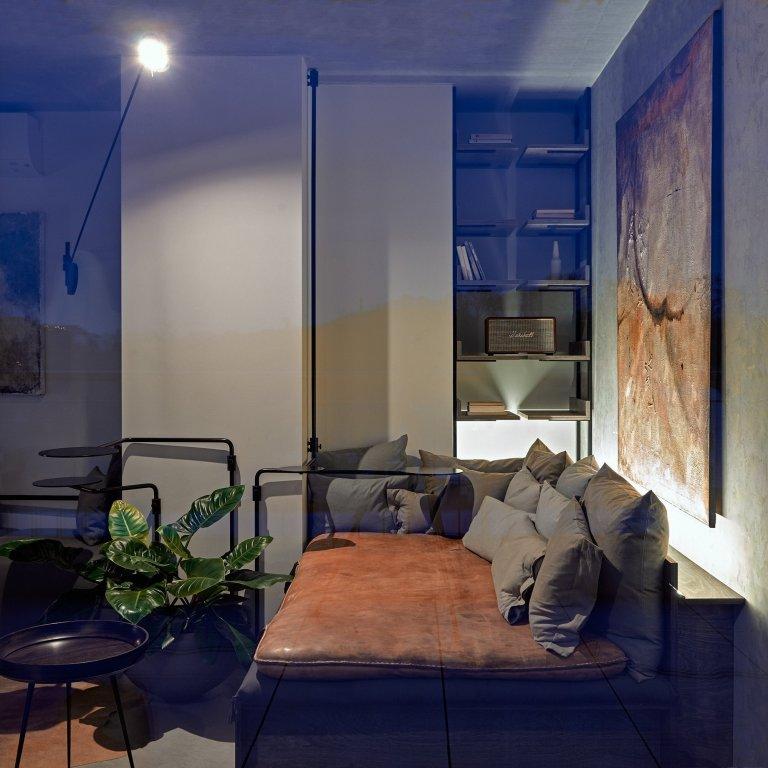 Industriálně laděný byt se nachází v novostavbě developerského projektu. S komplikovanou dispozicí se architektka vypořádala díky atypovému řešení většiny…