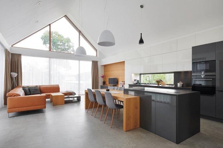 Luxusní dům s designovým prosklením