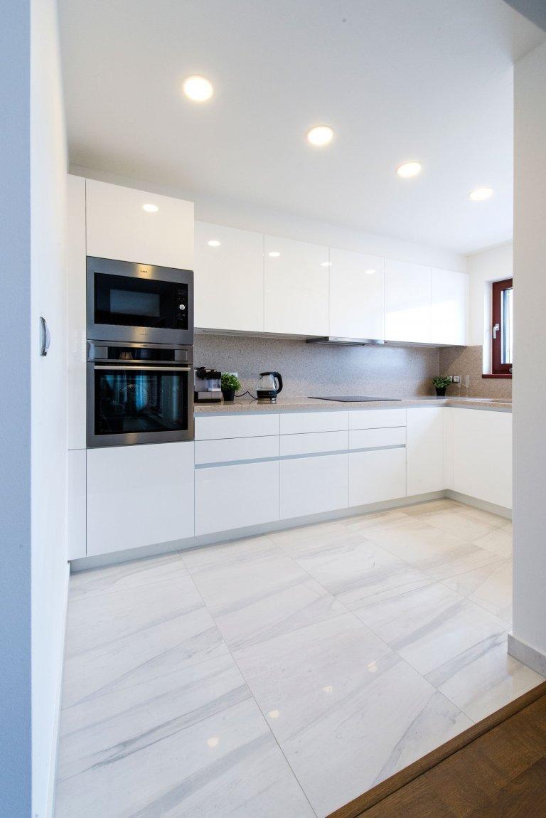 Spolupracujeme s jedním z nejvýznamnějších tuzemských developerů, firmou CENTRAL GROUP, pro kterou jsme nedávno vybavili ukázkový byt kompletním nábytkem i…