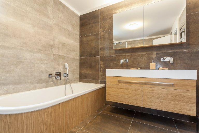 Ve spolupráci s architektonickým ateliérem NEW HOW architects jsme realizovali rekonstrukci některých částí interiéru rodinného domu u Prahy. Dominují zde…