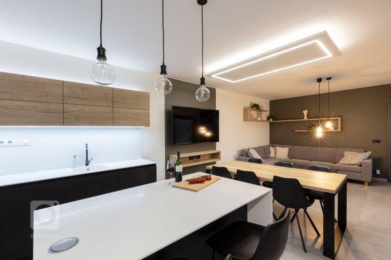 Investor nás oslovils přáním navrhnoutinteriérpronovostavburodinného domu veStarém Městě.Požadavkem mladého páru bylo…