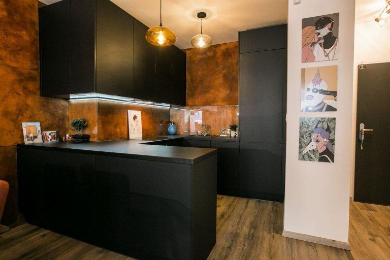 Kuchyňa s obývačkou v industriálnom štýle