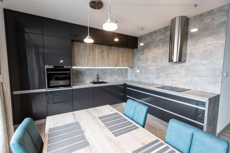 Realizácia antracitovej kuchyne – Bratislava Dúbravka