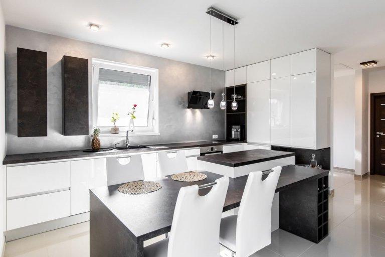 Realizácia bielej kuchyne v lesku – Bratislava