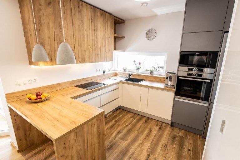 Realizácia bytu - kuchyňa a vstavané skrine