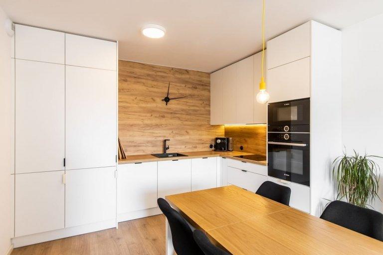 Realizácia bytu v bielom mate