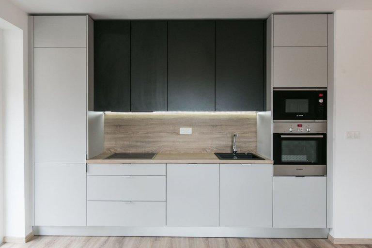 Realizácia kuchyne a vstavanej skrine - Urban Residence