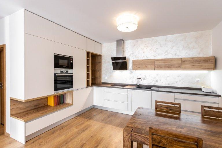 Realizácia kuchyne s výklenkom – Čerešne Bratislava