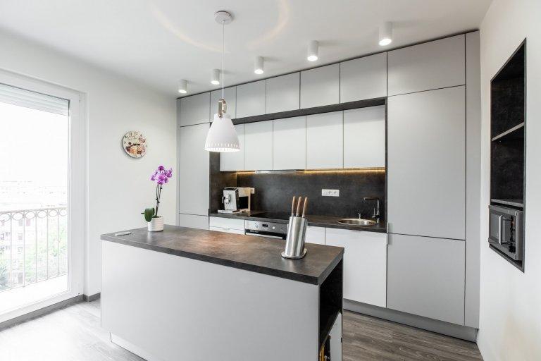 Realizácia vstavanej skrine a kuchynskej linky