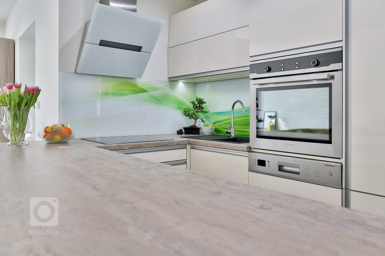 Moderní kuchyně v novostavbě