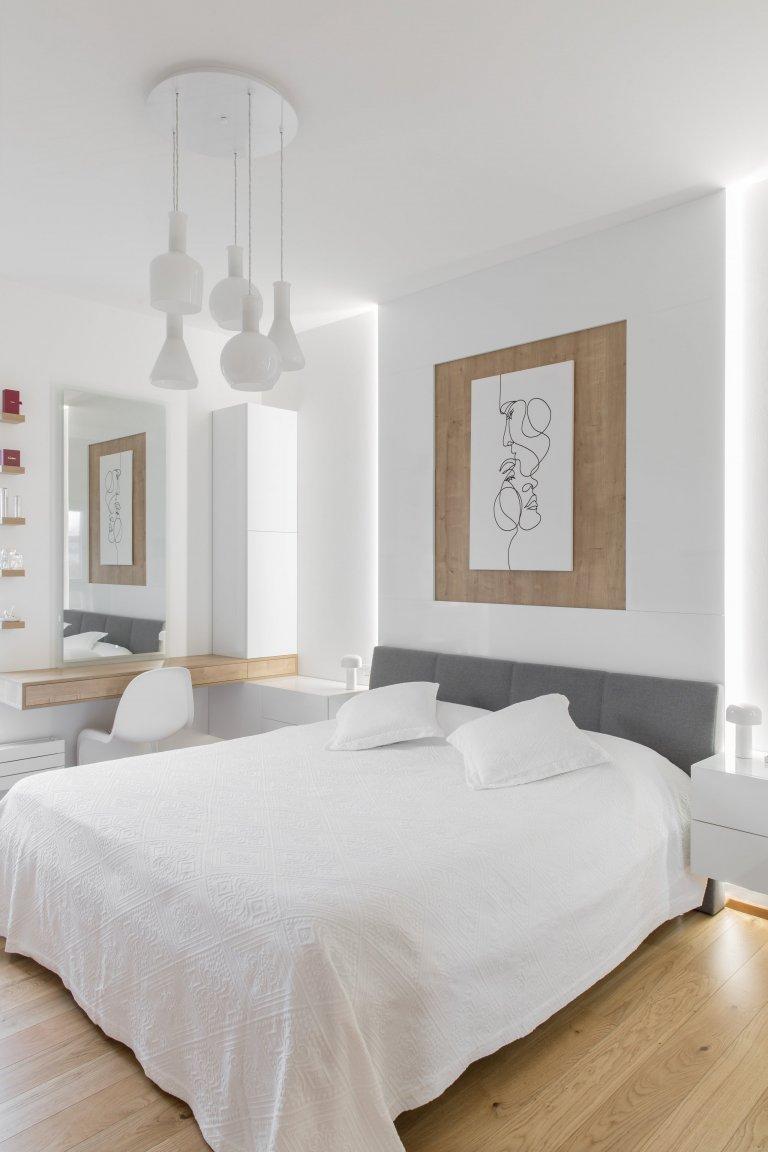 Práce na návrhu bytu v novostavbě La Crone pro nás byla moc hezkou výzvou. Majitelka - úžasná žena- si přála elegantní, jemný, světlý, vzdušný interiér.…