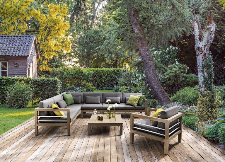 Teakový zahradní nábytek s polstrováním kolekce Del Mar. Konstrukce masiv teak je vhodný pro celoroční pobyt venku.