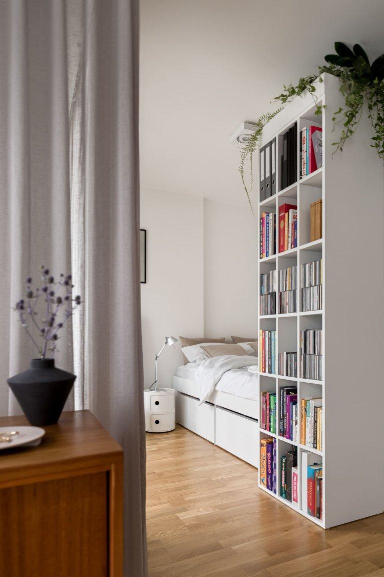V Lodži, centrální části Polska se nachází malý byt, který se stal velkou výzvou pro architektonické studio 3XEL Architekci. Dá se vůbec vytvořit praktické a estetické bydlení na pouhých 37 m2?
