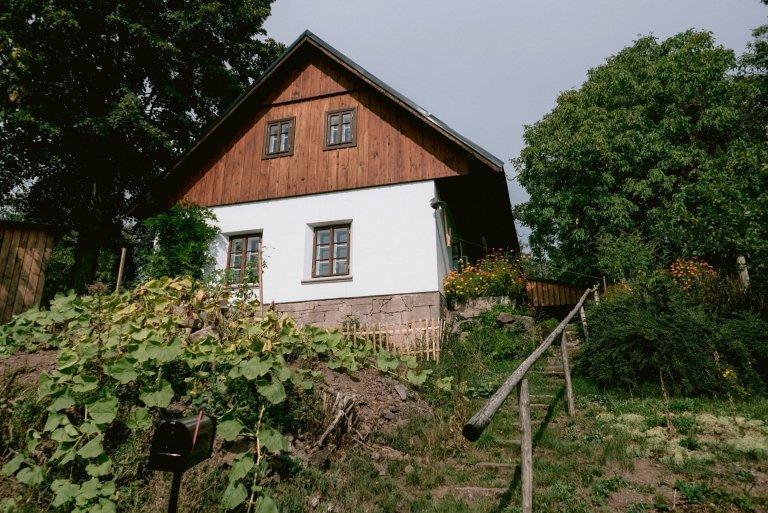 Chalupa v Českém ráji respektující lokální styl