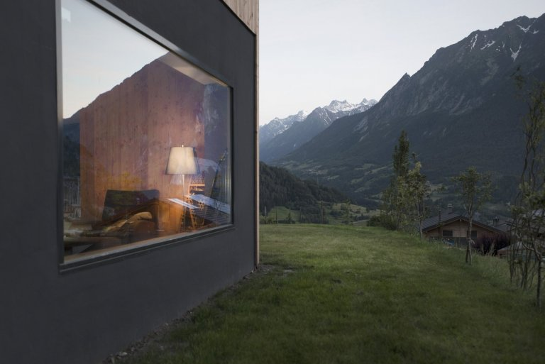 Chata v náručí švýcarských hor
