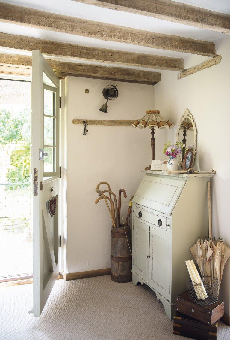 Došková chalupa s půvabným interiérem