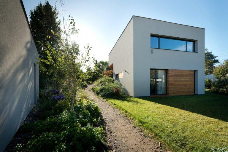 Dům, který se na dotek otevírá majitelům i přírodě