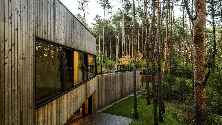 Dům mezi stromy, přesto v hlavním městě