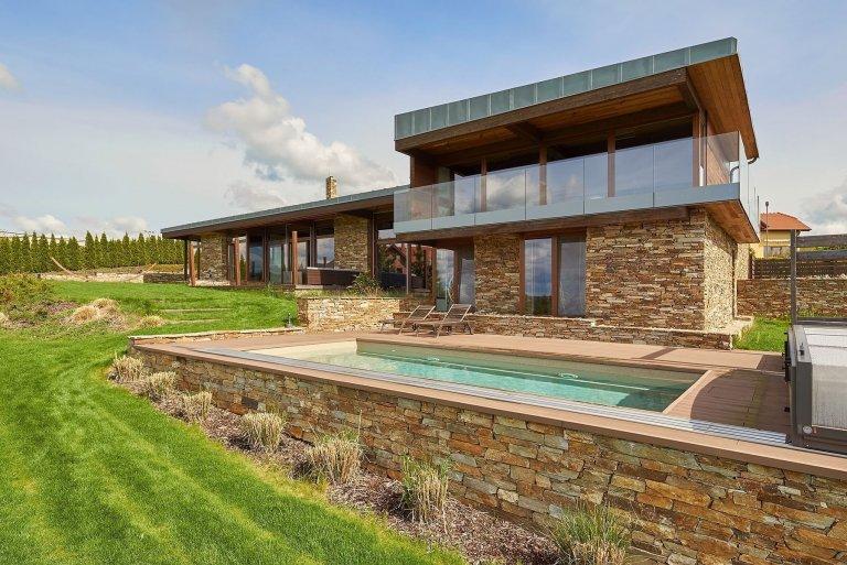 Luxusní vila s výhledy na posázavskou krajinu