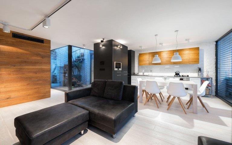 Moderní penthouse s átriem