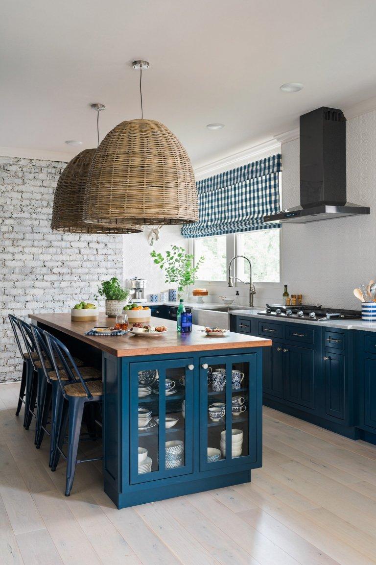 Modrá rustikální kuchyně